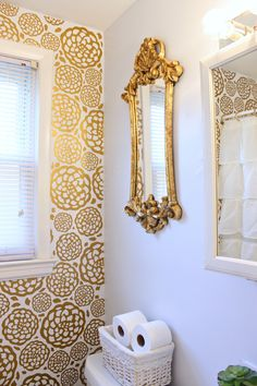 Glam Bathroom Makeover that is elegant and gorgeous!! Make a simple white bathroom a glam bathroom! Click for more details