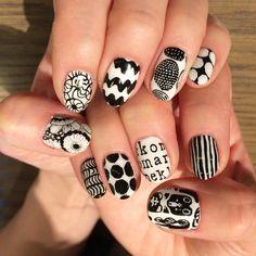 yoshiko O-OさんはInstagramを利用しています:「#フィンランド旅行 の為の#ネイル 今回も大好きな#マリメッコ で #マリメッコネイル #ネイルアート #ネイルデザイン #ショートネイル #手描きネイル #ジェルネイル #nail #nailart #naildesign #shortnail…」