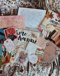 Snail Mail Pen Pals, Snail Mail Gifts, Aesthetic Letters, Mail Art Envelopes, Pen Pal Letters, Cute Pens, Arte Sketchbook, Envelope Art, Handwritten Letters