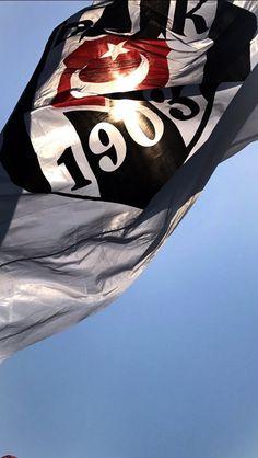 Armamızda var Türk Bayrağı  Bakıyorum diğerlerine yok hiç birinde Türk bayrağı  GÖNÜLDEN BaĞLIYIZ Bu AŞka Şampiyon Beşiktaş da