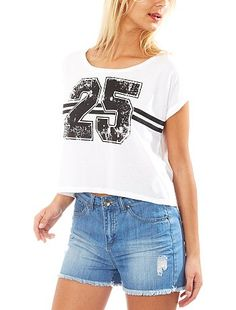 Printed crop top Women size 34 to 52 3,99EUR Print t-shirt A sports T-shirt with a feminine twist! Collect them all! Crop top with round neckline, short sleeves with smal