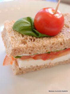 Makeaa murmelin täydeltä: Tomaatti-mozzarellaleivät