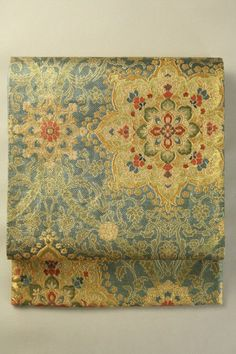 Gray Fukuro Obi (Rokutsu), Luxury Gold Hanamon Pattern / グレー地 豪奢な金の華紋柄 六通袋帯 #Kimono #Japan http://www.rakuten.co.jp/aiyama/