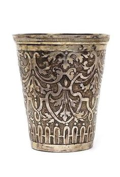A Silesian baroque silver beaker, Neisse, 1712. Maker's mark: Martin Vogelhund. © 2010 Nagel - Auctions  147g. - Minor dented. H. 11 cm - Estimate (EUR) 1000