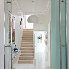 super 10 Stairway Lighting Ideas that Will Impress You – Tags: stairway lighting ideas, stair lighting ideas, stair lighting idea… - Dekoration Site / 2019 Hallway Ceiling Lights, Stairway Lighting, White Hallway, Modern Hallway, Bright Hallway, Tiled Hallway, White Stairs, Modern Entrance, Modern Stairs