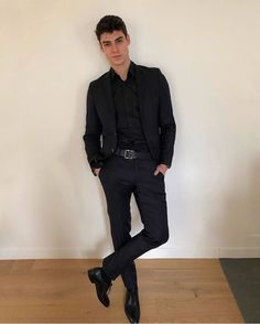 The good part about working as an engineer is that you get to wear classy clothes everyday 👔 Thank you for the tailor-made suit… Beautiful Boys, Pretty Boys, Teenage Boy Fashion, Rafael Miller, Black Suit Wedding, Classy Suits, Mens Classy Outfits, Classy Clothes, Traje Casual