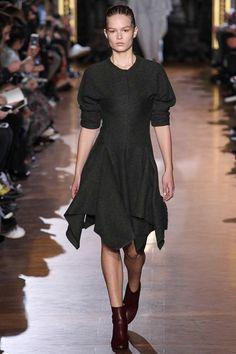 Stella McCartney Fall 2015 RTW Runway – Vogue