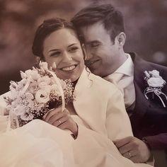 Photo by EFFETTOFoto ♥ Graphic Design & Wedding Stationery by Paffi www. Wedding Stationery, Photo Credit, Real Weddings, Ears, Wedding Day, Graphic Design, Couple Photos, Couples, Music