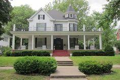 OldHouses.com - 1880 Victorian - Rich with Salisbury History! in Salisbury, Missouri