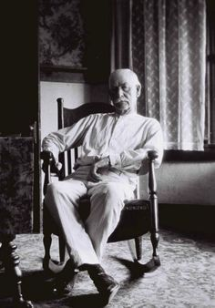 Wyatt Earp at home in Los Angeles, 1923.