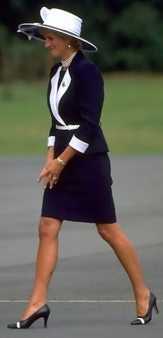 Diana Princess of Wales suit and pearls