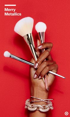 Make the most of your makeup time with this luxe 3-pc. Bold Metals brush set from Real Techniques. Use the 200 Oval Shadow Brush for all-over lid application, the 300 Tapered Blush Brush for highlighting and sculpting across the cheeks and the whopping 103 Angled Powder Brush (which contours perfectly to your face, BTW) for seamless blending. All boast soft, tinted bristles with shed-resistant properties and advanced pickup and release of makeup. Strokes of genius.