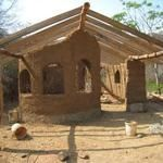 Building a cob house. Start to finish photo's {inspiration}