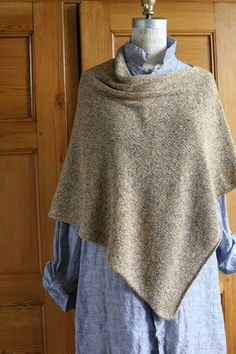 Lynn came to work yesterday in her Easy Fold Poncho. It got me thinking about the spring/summer version that Churchmouse Yarns knit up.   ...