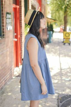 Curious Natalia, Fashion Blogger, Style Blogger, Asos, Aldo, Forever 21.  Denim Dress, Straw Hat, Black Booties.