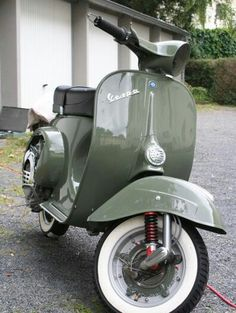 ral 7009 (Close to Keswick Green?) ral 7009 (Close to Keswick Green? Vespa Gts, Piaggio Vespa, Vespa Motor Scooters, Scooters Vespa, Motos Vespa, Scooter Bike, Lambretta Scooter, Vespa 150 Sprint, Vespa Px 150