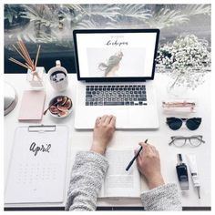 Home office / work space inspiration Study Space, Study Desk, Desk Space, Work Desk, Workspace Desk, Mac Desk, Fall Inspiration, Interior Inspiration, Study Hard