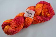 Handgefärbte Sockenwolle Sonnenstrahlen von Wollträume auf DaWanda.com