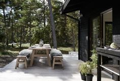 Skogshuset vid stranden, Gotland – M.Arkitektur Tiny House, Rest House, Modern Farmhouse Exterior, Farmhouse Design, Architectural Digest, Scandinavian Cabin, Summer Cabins, Porche, Swedish House