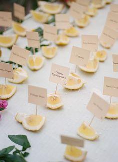 Lemon slice place cards #lemon #namecards #shots #weddinginspiration