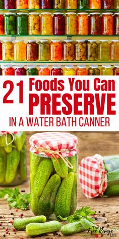 food tips Are you confused about what foods can be preserved in a water bath canner versus a pressure canner? Here are 21 foods you can CAN in a water bath canner! Easy Canning, Canning Tips, Conservation, Home Canning Recipes, Pressure Canning Recipes, Dinner Recipes, Hot Water Bath Canning, Canning Food Preservation, Preserving Food