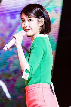 IU - Palette at Inkigayo All Fashion, Korean Fashion, Jang Keun Suk, Best Model, Korean Actresses, Korean Drama, My Idol, Singer, Kpop