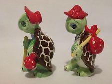 Vintage Artmark Hobo Turtles Ceramic Salt & Pepper Shakers Made in Japan - Cute!
