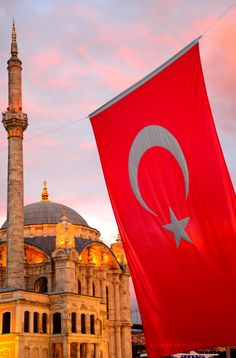 A guide to the highlights of visiting Istanbul on both the European and Asian sides; this is a city where two continents collide! New Travel, Ultimate Travel, Stuff To Do, Things To Do, Visit Istanbul, Turkey Travel, Europe Destinations, Places Around The World, Continents