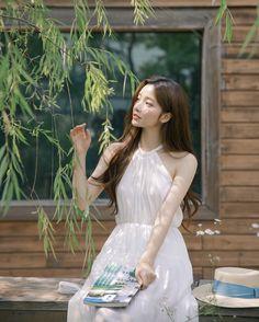 Pretty Korean Girls, Korean Beauty Girls, Cute Korean Girl, Kpop Fashion Outfits, Ulzzang Fashion, Korean Fashion, Mode Ulzzang, Ulzzang Korean Girl, Ulzzang Makeup Tutorial