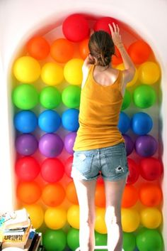 balloon wall for photo backdrop....do bday colors to make look like polka dots
