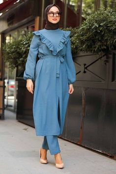 Muslim Dress, Hijab Dress, Stylish Kurtis Design, The Dress, Hijab Fashion, Nevada, Indigo, Evening Dresses, Cold Shoulder Dress