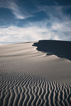 """russmosis: """" Curvy… White Sands National Monument, New Mexico """" Beautiful World, Beautiful Places, White Sands National Monument, Desert Life, Nature Images, Science And Nature, Amazing Nature, New Mexico, The Great Outdoors"""