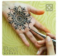 Lovely Hello to all my henna sisters! I hope you had a wonderful weekend! Lovely Hello to all my henna sisters! I hope you had a wonderful weekend! Henna Hand Designs, Mehndi Designs Finger, Henna Tattoo Designs Simple, Mehndi Designs For Beginners, Wedding Mehndi Designs, Mehndi Designs For Fingers, Mehndi Art Designs, Beautiful Henna Designs, Simple Henna
