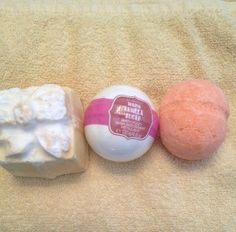 3 Best Bath Bombs without Jewelry - Internet Housewife