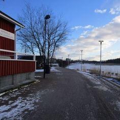 #25032016 #Karfreitag . So freundlich war das Wetter heute in #Helsinki nur selten. Meist war der Himmel zugezogen und es nieselte. #maerz #finnland #finnlandonline by finnlandonline