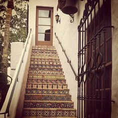 spanish tiled stairs outdoors Tiled Staircase, Tile Stairs, Spanish Tile, Spanish Colonial, Stair Steps, Hacienda Style, Cute House, Stairway To Heaven, Art Of Living