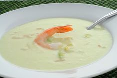 Une recette de potage concombres et crevettes Cucumber Soup Recipe, Apricot Tree, Tart Taste, Gazpacho, Soup And Salad, Cheeseburger Chowder, Creme, Cooking, Ethnic Recipes