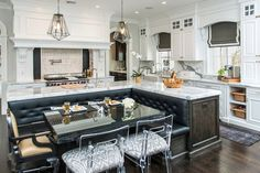 Incredible Kitchen with L-Shape Island and Built-in Banquette