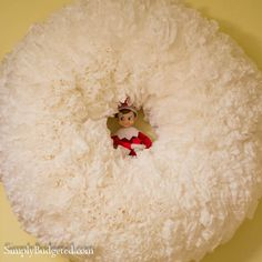 Elf on the Shelf: Day 3 Puffy Snow Wreath ... well that is what I am claiming it is!