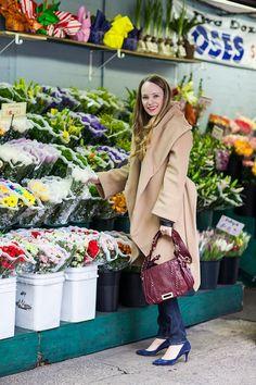 bold shawl coat, burgundy bag Burgundy Bag, Katharine Hepburn, Winter Fashion Casual, Elements Of Style, Low Heels, Shawl, Style Me, Warm, Flower