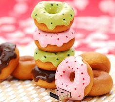 + Criatividade :     Que tal um USB no formato de donuts?