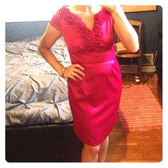 London Times Petite 8 Fuchsia dress. Your perfect dress to a wedding. Size 8p. Perfect fuchsia  color-hard to capture it on camera, but really beautiful and classic.❌ No trades and all offers through offer or bundle button. London Times Dresses