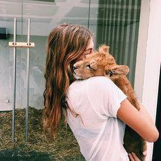 Pinterest: chloebush412 ~  Oh My gosh!  How I would love to hug a big cat.  Beautiful pic.