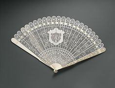 Fan, ca. 1800-1810, Chinese for American market, carved and pierced ivory