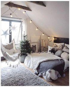 Attic Bedroom Designs, Attic Rooms, Small Room Bedroom, Cozy Bedroom, Bedroom Inspo, Girls Bedroom, Master Bedroom, Bed Room, Chic Bedroom Ideas