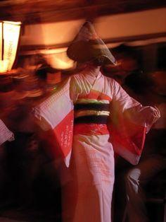胡弓の音が流れるおわら風の盆のまち・越中八尾 / Ecchu-Yatsuo, the melancholic festival.