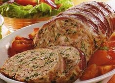 Learn to prepare special meatloaf with this rich and easy recipe. Beat the egg whites until stiff, then put the meat in a bowl and put the onion, . Bacon Meatloaf, Meatloaf Recipes, Meat Recipes, Mexican Food Recipes, Cooking Recipes, Healthy Recipes, Healthy Nutrition, Drink Recipes, Cake Recipes