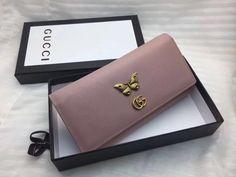Best Purses, Cute Purses, Cute Wallets, Bag Packaging, Dior, Purse Styles, Cute Bags, Backpack Purse, Luxury Bags