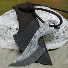 uriges neck knife Halsmesser Damaststahl 256 Lagen Mittelalter Handgeschmniedet in Sport, Camping & Outdoor, Werkzeug   eBay