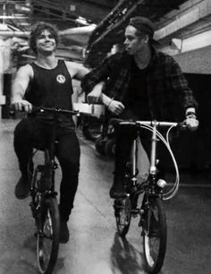 biking babes // the fact that they bike backstage when they're bored just makes me happy for no apparent reason
